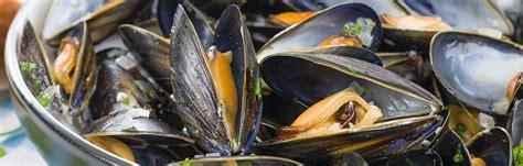 comment cuisiner les moules cuisiner les moules moules et palourdes marinières recette