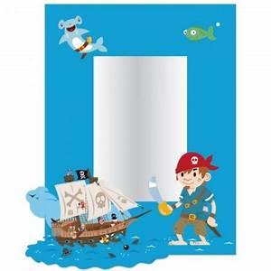 Decorer la chambre d39un garcon sur le theme des pirates for Deco chambre pirate pas cher