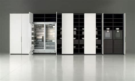 portes coulissantes cuisine des rangements pour une cuisine fonctionnelle