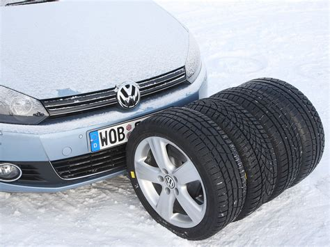 Test Vier Winterreifen Im Format 22545 R 17 V by Winterreifen Test Vier Winterreifen Im Format 225 45 R 17