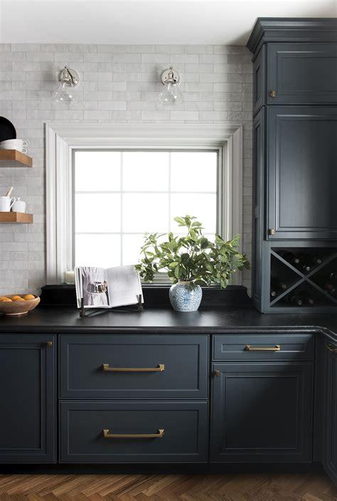 tips   dark kitchen cabinets