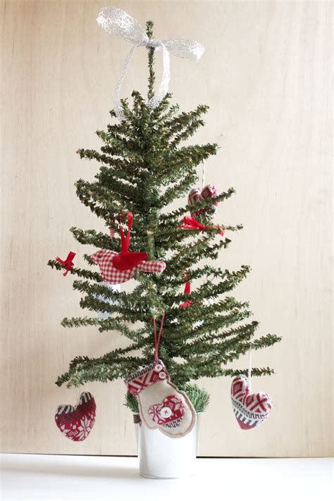 scandinavian christmas tree decorations ideas