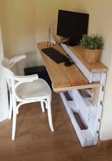 bureau appartement meuble bureau en palettes dans petit appartement