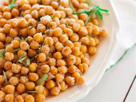 cuisine r騁ro crunchy chickpeas with rosemary and olive recipe emily farris food wine