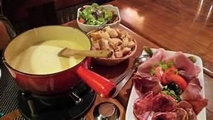 Service À Fondue Savoyarde : fondue savoyarde au top picture of le couaroge gerardmer tripadvisor ~ Melissatoandfro.com Idées de Décoration