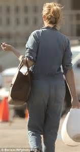 I was reminded of this scene too, though i thought legends pulled it off better. Julia Roberts rocks a baggy denim jumpsuit in Malibu ...