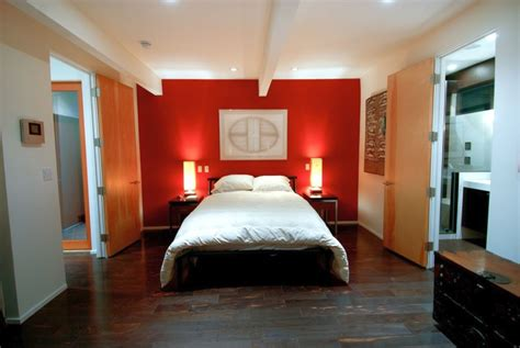 Modern Mens Bedroom With Red Accent Wall