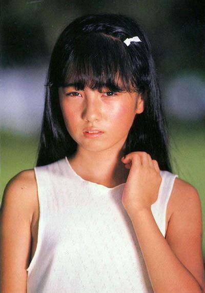 Shiori Suwano Blue Bing Images Foto