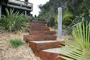 escalier en pierre et marches dans le jardin deco et With construire un escalier de jardin en bois