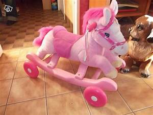 Cheval A Bascule Rose : cheval bascule disney princess collection ~ Teatrodelosmanantiales.com Idées de Décoration