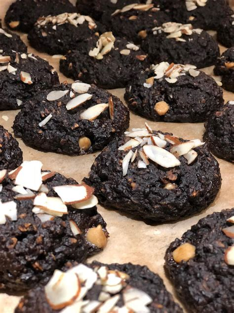 Named below are some of the common foods that contain simple sugars, which rapidly raise blood sugar or otherwise hinder blood sugar control and should be eliminated from your diet. Diabetic Cookies | Diabetic-Friendly Cookies | Scottsdale ...