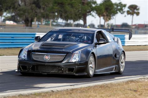 cadillac cts  coupe race car picture  car