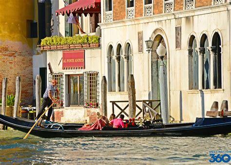 Gondolas In Venice Gondola Rides In Venice Italy