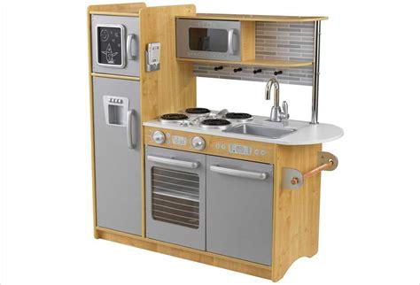 cuisine en bois pour enfants cuisines enfants en bois des jouets pour petits cuisiniers