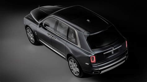 rolls royce cullinan rolls royce debuts cullinan suv with 325k starting price