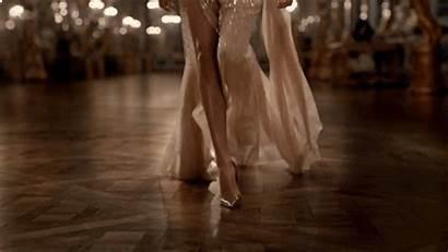 Gifs Dresses Dior Classy Princess Wattpad Walking
