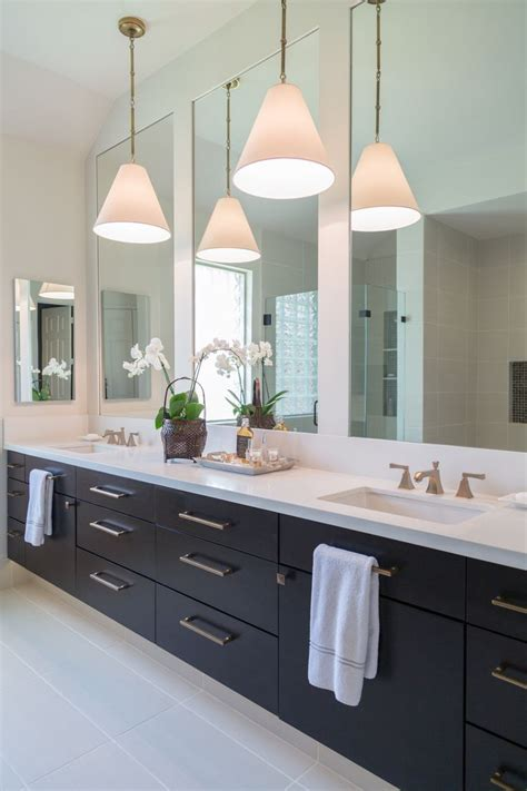 Bathroom Mirror Remodel by 25 Best Ideas About Transitional Bathroom On
