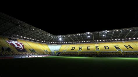 But another rival would at the same time disappear when the stasi outmaneuvered the army and fc vortwärts berlin was relocated to frankfurt an der oder in 1971. Panoramio - Photo of Stadion Dynamo Dresden