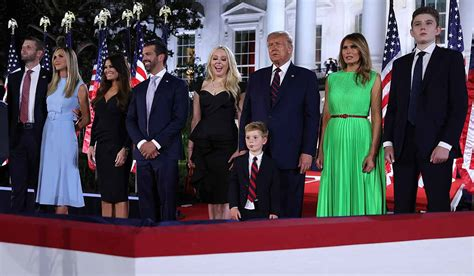 melania trump convention ivanka donald finale repubblicana republican eric shade casa stepdaughter bianca alla artificio political washington serious throwing clip