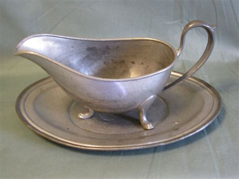 Gravy Boat Co To Znaczy by Vintage Pewter Gravy Boat With Tray Continental Silver