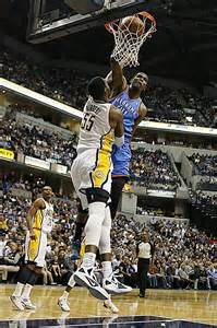 Kevin Durant Dunks On