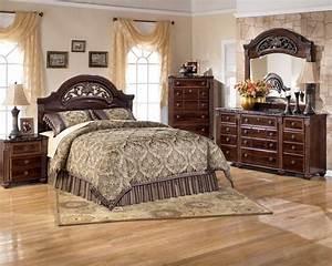 Juarano Ashley Bedroom Set