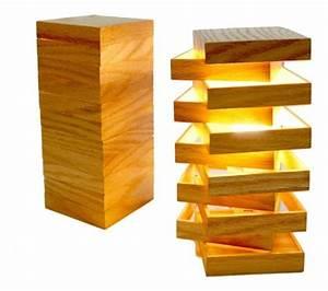 Lampe Design Bois : 17 meilleures id es propos de lampe en bois sur pinterest menuiserie lampes en bois et ~ Teatrodelosmanantiales.com Idées de Décoration