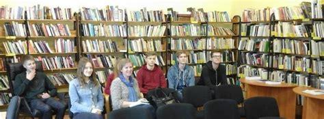 Salacgrīvas pilsētas bibliotēkā tikšanās ar Kārli Krēsliņu ...