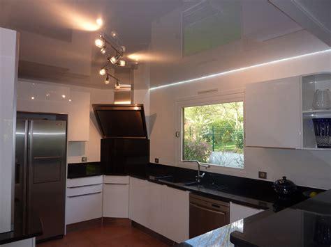 eclairage cuisine plafond eclairage plafond avec poutres affordable plafond avec