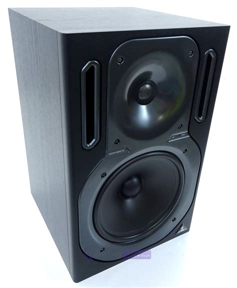 behringer b2031a active studio monitor speaker