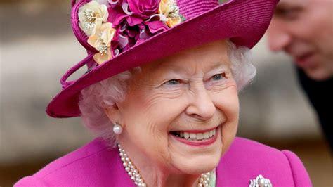 heres  queen elizabeth ii   birthdays glamour
