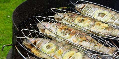cuisiner un poisson cuisiner un poisson au barbecue barbecue partybarbecue