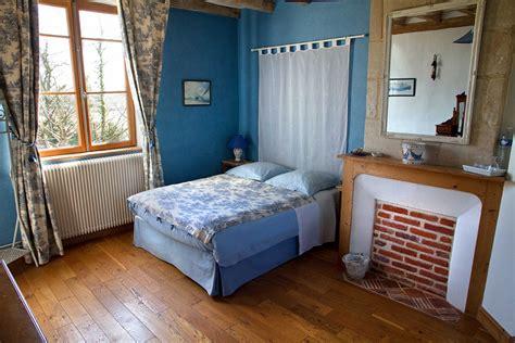 chambre blue la chambre bleue la mézeray