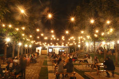 limakaki lima cafe  malang berkonsep outdoor