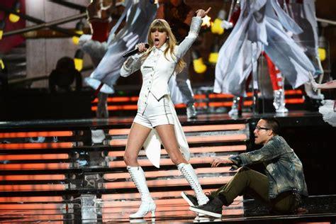 Taylor Swift provoca ex-namorado Harry Styles ao se ...