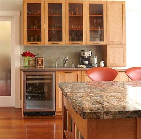 entretien marbre cuisine cuisine plan de travail en lot de cuisine moderne clair en marbre