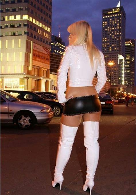 pin na doske high heels overkneestiefel reizwaesche mini