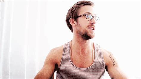 """In this link the verb decir is incorrectly given as diga this has been brought up and may soon be corrected to di. 10 GIFs That Prove """"Gosling"""" Is A Verb"""