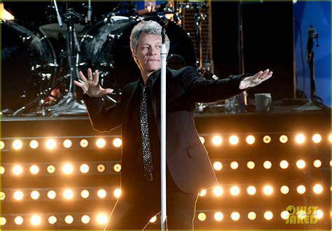 Bon Jovi Honored With Icon Award Iheartradio Music