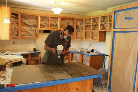 r駭ovation d armoires de cuisine rénovation armoire de cuisine en bois renovation meuble cuisine en bois and restauration armoire de cuisine en bois lolesinmo com