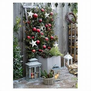 outdoor christmas pots
