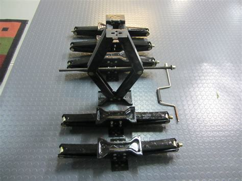 6 Scissor Type Leveling Jacks With Wrench