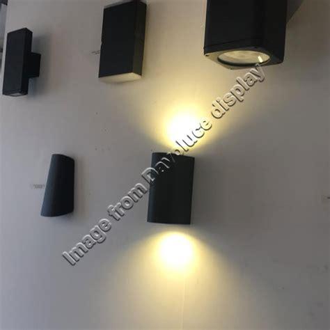 uow043cob blk ww uge lighting eris black round up