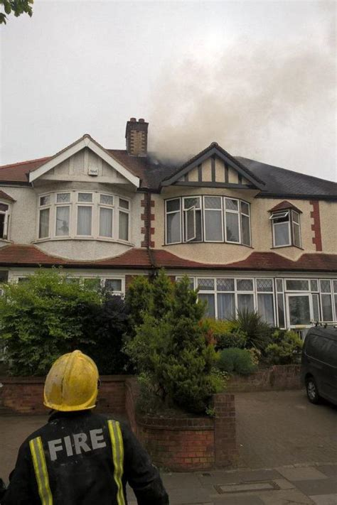 Southgate Fire Nine People Flee Huge Blaze At House On