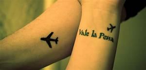 29 Attractive Aeroplane Wrist Tattoos