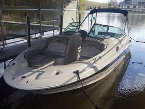 2004 Sea Ray 270 Sundeck Power Boat For Sale