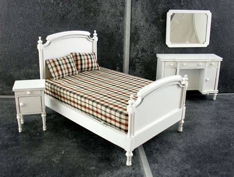 dolls house miniature white wooden shabby chic double