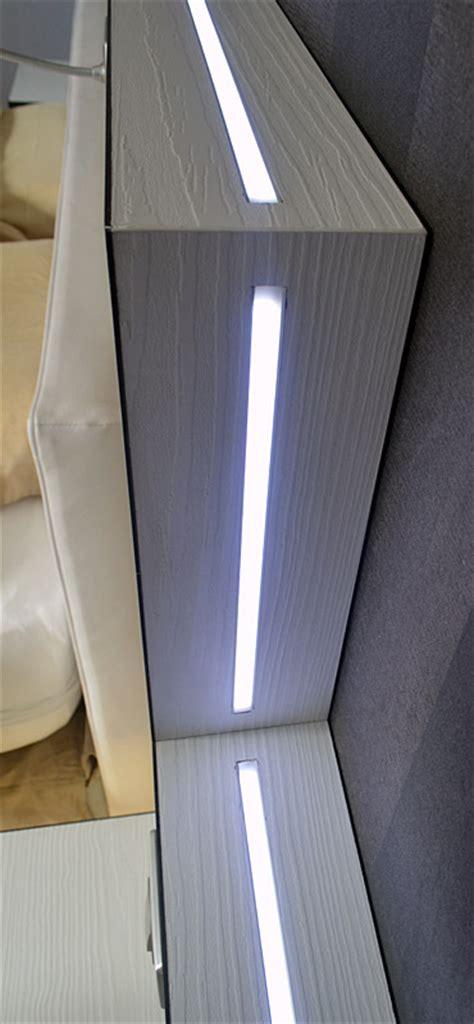 une tete de lit lumineuse grace  leclairage led www