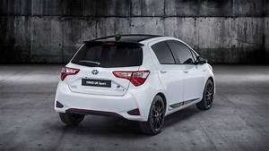 Toyota Yaris Sport : 2019 toyota yaris gr sport isn 39 t your average hybrid hatchback autoevolution ~ Medecine-chirurgie-esthetiques.com Avis de Voitures
