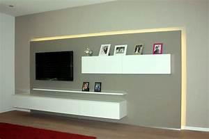 Fernseher An Der Wand : fernseher an der wand im schlafzimmer wohndesign ~ Frokenaadalensverden.com Haus und Dekorationen